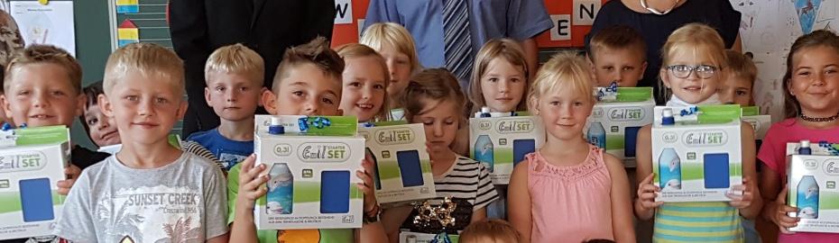 Geschenkübergabe Emil - Sets; Grundschule Schwürbitz, Raiffeisenbank Obermain Nord eG