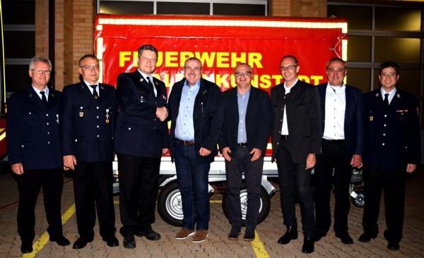 Übergabe Anhänger, Feuerwehr Altenkunstadt