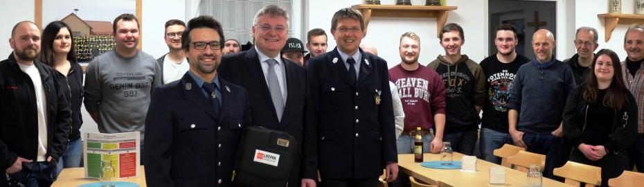 FFW Isling, Spendenübergabe, Defibrillator