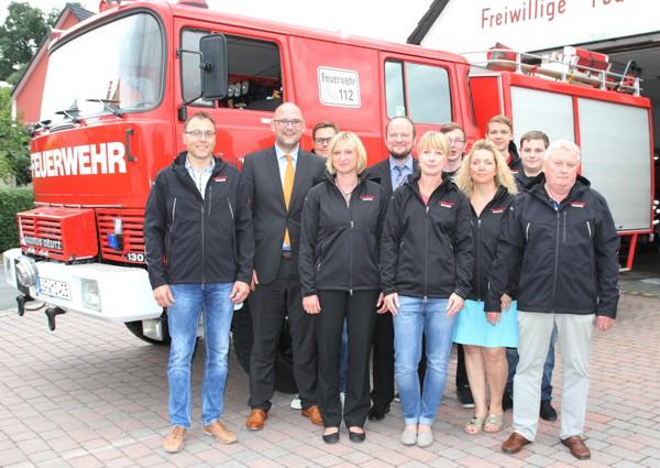 Bild von der Spendenübergabe; Raiffeisenbank Obermain Nord eG; Freiwillige Feuerwehr Horb am Main