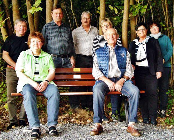 Gartenbauverein Burkheim, Sitzbänke an der Weismainer Gasse und am Anger