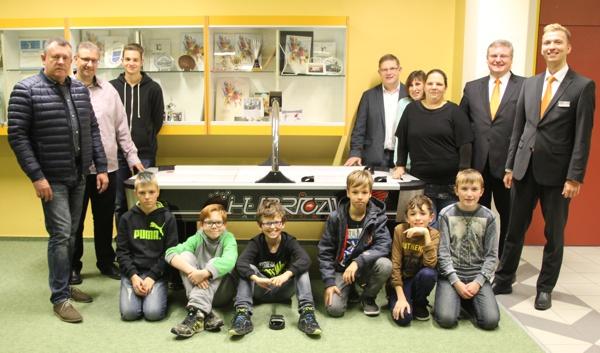 Spendenübergabe Mittelschule Altenkunstadt, Raiffeisenbank Obermain Nord eG