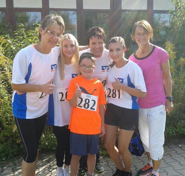 Das Läuferteam zusammen mit erster Bürgermeisterin Christine Fries