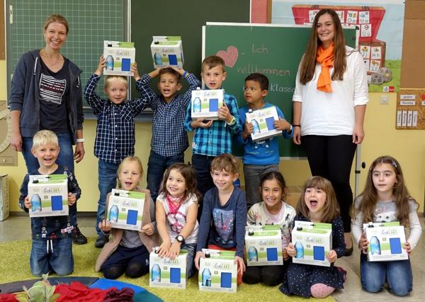 Schulanfang 2017, Übergabe Emil-Sets