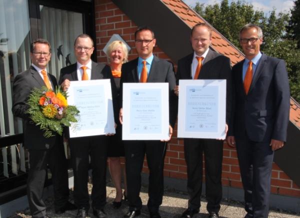 Bei einer Feierstunde konnten drei langjährige, betriebstreue Mitarbeiter der Raiffeisenbank Obermain Nord eG geehrt werden.