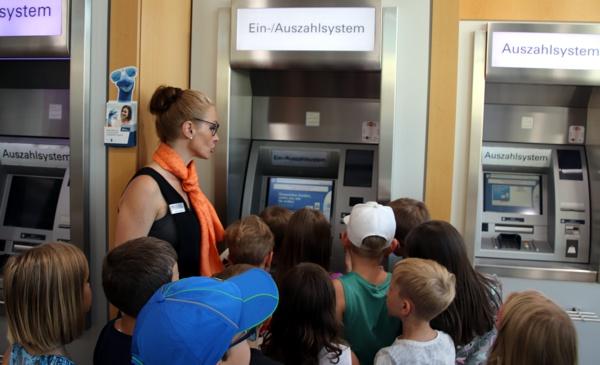 Grundschule, Altenkunstadt, Raiffeisenbank
