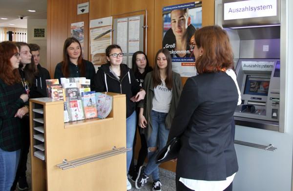 Bild am Geldausgabeautomat