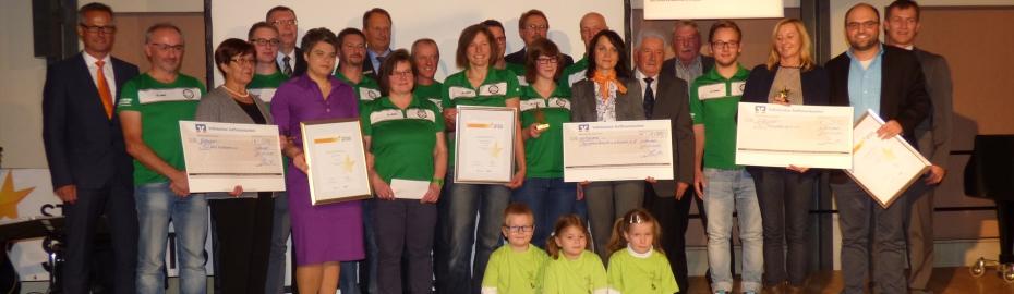 Die Raiffeisen- und Volksbanken im Landkreis Lichtenfels würdigen neun Vereine für ihr außergewöhnliches Engagement